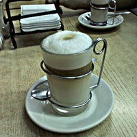 Photo taken at Café La Habana by Luis V. on 3/25/2012