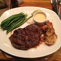 Photo taken at Outback Steakhouse by Suzanna G. on 8/5/2012