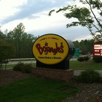Photo taken at Bojangles' Famous Chicken 'n Biscuits by Marah M. on 3/31/2012