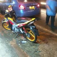 Photo taken at Bengkel cuci motor Rejeki, by Syarieffien N. on 2/11/2012