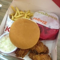 Photo taken at KFC | كنتاكي by Ab C. on 7/18/2012