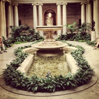 Foto diambil di The Frick Collection oleh Janie Y. pada 8/31/2012