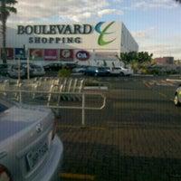 Foto tirada no(a) Boulevard Shopping por Aislan S. em 8/13/2012