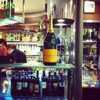 Foto scattata a Pepy's Bar da ????????? ?. il 3/7/2012