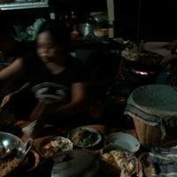 Photo taken at Nasi Goreng Babi Papilon by Ifan G. on 3/14/2012