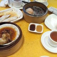 Photo taken at Fraser Court Seafood Restaurant 紅日大酒家 by Amy C. on 6/24/2012