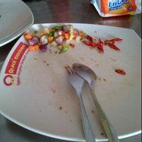 Photo taken at Quick Chicken Gembiraloka by Yosephin A. on 5/26/2012