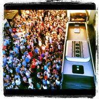 7/20/2012 tarihinde Hasan B.ziyaretçi tarafından Zincirlikuyu Metrobüs Durağı'de çekilen fotoğraf