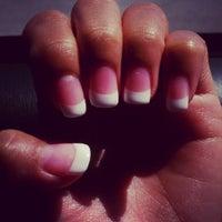 Снимок сделан в First Class Nails пользователем Marichu Joy S. 9/10/2012