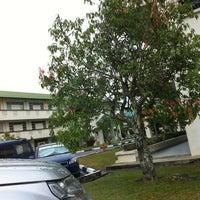 Photo taken at Sekolah Yayasan Sultan Haji Hassanal Bolkiah by Rosni R. on 4/8/2012