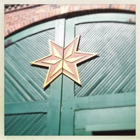 Photo taken at Sixpoint Brewery by Anna-Lisa D. on 9/11/2012