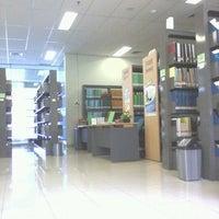 Photo taken at Perpustakaan Mandiri Universitas Al Azhar Indonesia by El Jasmine J. on 3/26/2012