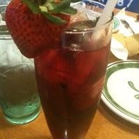 Photo taken at Olive Garden by Alvah L. on 4/2/2012