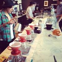 Foto scattata a Toby's Estate Coffee da Bastian B. il 4/14/2012