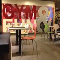 Снимок сделан в McDonald's пользователем Simpampon 3/1/2012