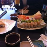 Foto tomada en Sushi House por Robert R. el 7/29/2012
