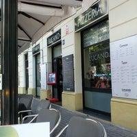 Foto tomada en Lucano por Pablo B. el 8/22/2012
