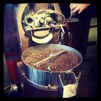 Снимок сделан в The Conservatory for Coffee, Tea & Cocoa пользователем Yan S. 6/8/2012