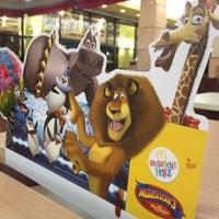 รูปภาพถ่ายที่ McDonald's โดย Carol V. เมื่อ 6/19/2012