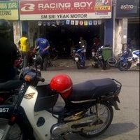 Photo taken at Kedai Motor SM Sri Yeak by Faris R. on 2/4/2012