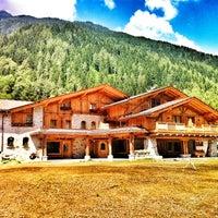 Foto scattata a Maso Del Brenta Chalet Alpino da giuliatravaglia il 6/28/2012