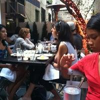 รูปภาพถ่ายที่ The Mermaid Inn โดย Nicholas L. เมื่อ 6/3/2012