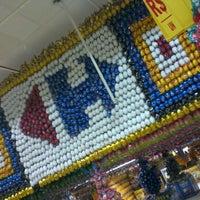 Foto tirada no(a) Carrefour por Eduardo T. em 3/9/2012