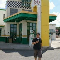 Photo taken at Quaker Steak & Lube® by Beth K. on 7/21/2012