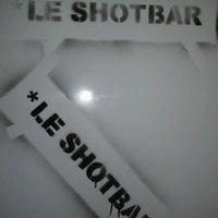 Das Foto wurde bei Le Shot Bar von Chris M. am 2/17/2012 aufgenommen