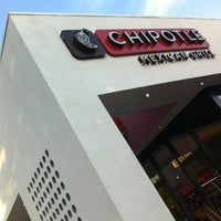 Photo taken at Chipotle Mexican Grill by Robson on 7/31/2012