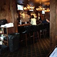 Foto tomada en Royal Oak Bar and Grill por Dat L. el 8/29/2012
