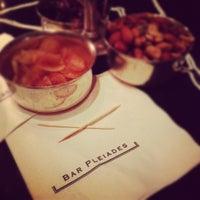Foto tomada en Bar Pleiades por George G. el 3/19/2012