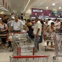 Foto tirada no(a) Mall del Sur por Raúl S. em 5/13/2012