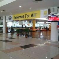 Das Foto wurde bei Melaka International Bowling Centre (MIBC) von aMELy am 5/22/2012 aufgenommen