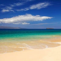 Photo taken at Kā'anapali Beach by TheSocial360 .. on 6/20/2012