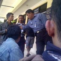 Photo taken at Unit Pelayanan BPKB Samsat Talangagung by Heru W. on 4/9/2012