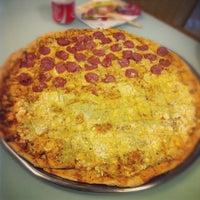 Foto tirada no(a) Mister Pizza por Bruno Rafael C. em 6/24/2012