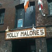 Das Foto wurde bei Molly Malone's Irish Pub von Erwin P. am 7/15/2012 aufgenommen
