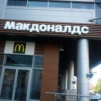 Снимок сделан в McDonald's пользователем Pavel K. 8/27/2012