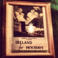 Снимок сделан в Mollie's Irish Pub пользователем 🍀Dania C. 5/18/2012