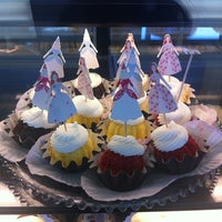 Photo taken at Nothing Bundt Cakes - Manhattan Beach by Miki R. on 8/11/2012
