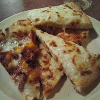 Photo taken at Pizza Inn by Gingin &. on 3/24/2012