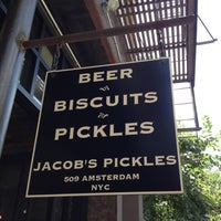 Foto tomada en Jacob's Pickles  por Jared B. el 6/24/2012