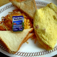 Photo taken at Waffle House by Charles C. on 9/6/2012