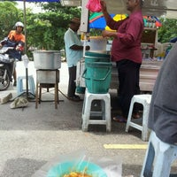 Photo taken at Gerai Cendol & Rojak Titiwangsa by palis 7. on 4/19/2012