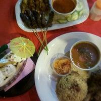 Photo taken at Puncak Mutiara Cafe by Suffian T. on 3/6/2012