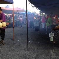 Photo taken at Pasar Malam Pekan Kg. Gajah by Cikgu R. on 6/1/2012