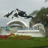 Photo taken at SeaWorld Guest Services by DAUNSLEY d. on 7/15/2012