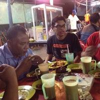 Photo taken at Restoran Asyraf by Badrulhafiz S. on 8/20/2012
