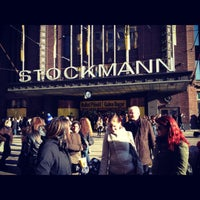 4/22/2012 tarihinde Elizaveta U.ziyaretçi tarafından Stockmann'de çekilen fotoğraf